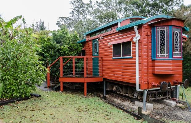 The Glass House Mountains Eco Lodge
