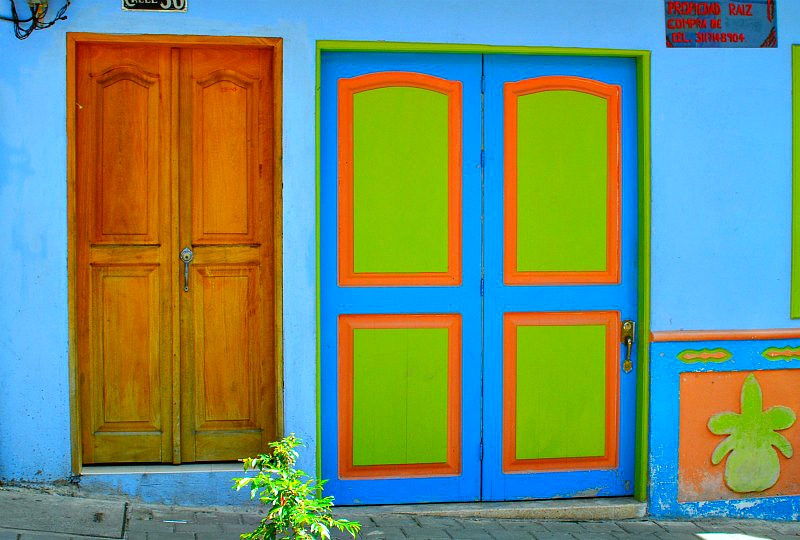 Guatape colourful building