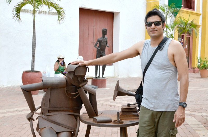 Things to do in Cartagena - Visit the bronze statues